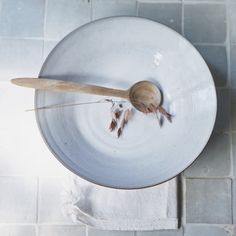 fruit bowl river  styling: Cleo Scheulderman photo: Jeroen van der Spek