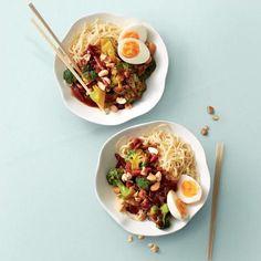Het recept van de dag is: Oosterse broccoli in ketjapsaus met ei!