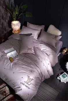 Donating Bed Linen To Charity Neon Bedroom, Gold Bedroom Decor, Teen Room Decor, Luxury Bedroom Sets, Luxurious Bedrooms, Luxury Bedding, Dream Rooms, Dream Bedroom, Bedroom Comforter Sets