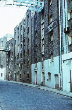 5 September 1981 - St Andrew's Wharf to Java Wharf, Shad Thames, Bermondsey, London Vintage London, Old London, London City, Bermondsey London, London Docklands, London History, London Places, South London, London Photos