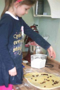 Belgian buns recipe (homemade) | Cooking with my kids Belgian Bun, Belgian Food, Belgian Recipes, Sweet Buns, Fondant Icing, Bun Recipe, Lemon Curd, Baking Recipes, Homemade