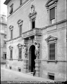 Bologna. Dettaglio del Palazzo Davia già Bargellini Bologna, Opera, Places To Visit, Building, Travel, Viajes, Opera House, Buildings, Destinations
