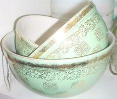 Vintage bowls at Jazz'e Junque ~ Chicago www.jazzejunque.com $48.00