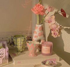 Aesthetic Room Decor, Pink Aesthetic, Deco Pastel, Pastel Room, Uni Room, Room Goals, Dream Apartment, Deco Design, Dream Decor