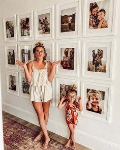 Foto-Inspiration, - Wohnaccessoires - The 2019 Decorating Trends - Family Pictures On Wall, Display Family Photos, Wall Photos, Family Picture Walls, Hanging Pictures On The Wall, Wall Decor Pictures, Picture Frame Walls, Pictures In Hallway, Photos In Bedroom