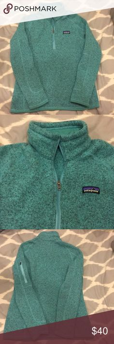 Women's Patagonia Better Sweater 1/4 zip This 1/4 zip fleece is marked as a medium, but fits like a small (likely miss-marked at the factory)—please take this into account if you are purchasing. Color is a heathered teal Patagonia Jackets & Coats