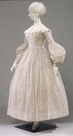 Material World: La Galleria del Costume, Roller printed cotton in pale grey, circa 1837