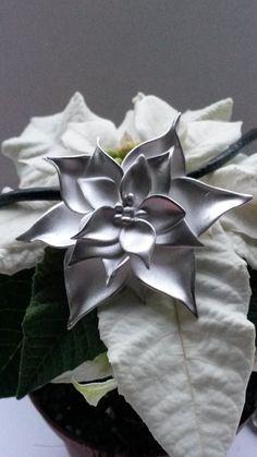"Artclay Christmas flower: ""Flores the Noche Buena"" made of 20 gram Artclay Silver November Clay, Create, Flowers, Plants, Silver, Christmas, November, Art, Yule"
