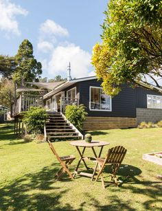 A rundown Lockwood is turned into a colourful family home for just $30,000