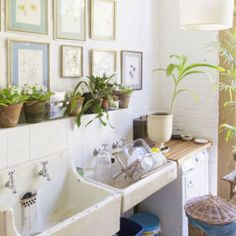 This super manageable checklist will keep your homecompany-ready all year round.