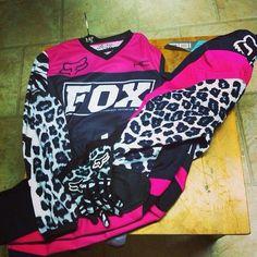 Fox Racing jersey, got it, love it ! Motocross Love, Motocross Gear, Motocross Girls, Dirt Bike Gear, Dirt Biking, Fox Racing Clothing, Riding Gear, Riding Clothes, Dirtbikes
