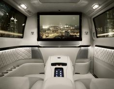 Mercedes-Benz Viano Vision Diamond - chauffeured luxury. This is insane aaand I love it!