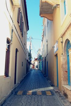 Narrow alley in Aegina island, Saronic gulf, Greece Sailing Trips, Greek Culture, Greek Isles, Small World, Greece Travel, Island Life, Historical Sites, Vacation Spots, Beautiful Beaches