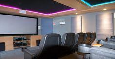 Amenidades en departamento : Elipsis Tower en PuntAlta. Comfort zone. Sala de cine para disfrutar de las mejores películas.