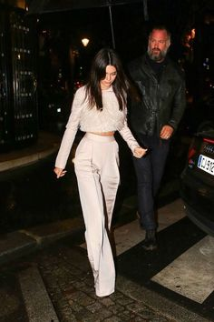 Image about fashion in Kendall Jenner Style by des; Look Fashion, Autumn Fashion, Fashion Outfits, Womens Fashion, Fashion Tag, Fashion Night, Fashion 2017, Fashion Trends, Fashion Pants
