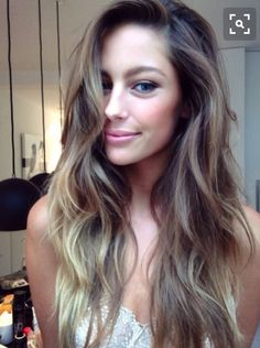 Long hair, waves, ombré, highlights