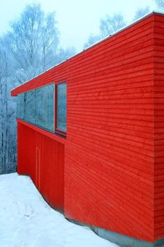 Nordic red wood cottage/cabin