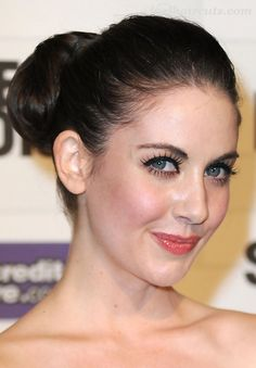 28 Alison Brie Hairstyles-Alison Brie Hair Pictures - 23 #CelebrityHaircuts
