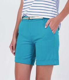 Bermuda feminina  Com cinto  Marca: A-Collection  Tecido: Alfaiataria  Composição: 62% poliéster, 33% algodão e 5% elastano  Modelo veste tamanho: P       Medidas da Modelo:   Altura: 1,75  Busto: 81  Cintura: 64  Quadril: 91       COLEÇÃO VERÃO 2016       Veja outras opções de    bermudas femininas.          Bermudas Femininas     As bermudas femininas são algumas das peças mais versáteis do guarda-roupa das mulheres. Afinal, é sempre bom poder aproveitar uma peça do verão no inverno, não…