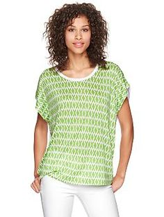 I like the style of this shirt, but it may be a little transparent.