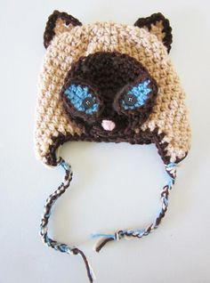 never seen a siamese cat hat before, love it!/ OK Now I HAVE to learn how to do this!