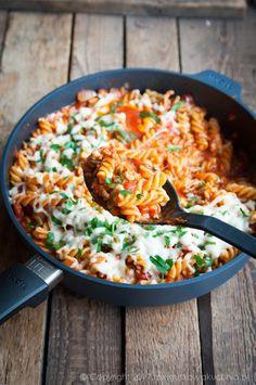 Keep That Cooking Area Clean Yummy Chicken Recipes, Vegetarian Recipes, Cooking Recipes, Healthy Recipes, Helathy Food, Edible Food, Food Preparation, Love Food, Easy Meals