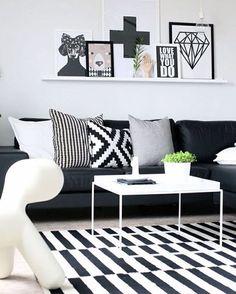Estampas geométricas complementam o design lindo desse living room. Quem curte?…