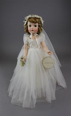 "18"" MADAME ALEXANDER HARD PLASTIC MARGARET FACE BRIDE WALKER, ALL ORIGINAL AND MINT. HAIR IN ORIGINAL SET, COLOR EXCELLENT. NO STAINS, FADING, OR ODOR."
