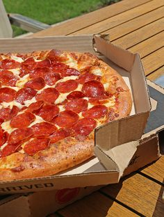 25 best pizza please images in 2019 pizza hut fast pizza rh pinterest com