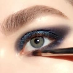 PAT McGRATH LABS | Deep Blue Smokey Eye Makeup Tutorial Video⚡⚡Using #MothershipIV: Decadence Eye Palette, apply 'LAPIS LUXURY' to lid with a finger. Next, define outer corner with 'DIVINE MINK' & blend through the crease. Apply 'DIVINE MINK' along lower lash line & 'CELESTIAL' to inner corner. Add Perma Precision Liquid Eyeliner along lash line & extend into a wing, highlight lid center with 'CELESTIAL' & finish with FetishEYES Mascara & false lashes.⚡⚡SHOP now PATMcGRATH.COM Glittery Smokey Eye, Blue Smokey Eye, Lower Lashes, False Lashes, Eye Palette, Eyeshadow Palette, Metallic Eyeshadow, Smokey Eye Makeup Tutorial, Eyeliner Looks