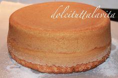 La torta paradiso di Iginio Massari è un dolce adatto per i grandi e i più piccini. Da mangiare a tutte le ore del giorno e della notte! Hummingbird Cake Recipes, Cake Calories, Torte Cake, Cupcakes, Fruit Snacks, Sweet Cakes, Creative Cakes, Cakes And More, How To Make Cake