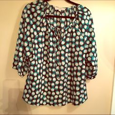 Loft print blouse Great blouse by Loft. Very flattering and great for many occasions. LOFT Tops Blouses