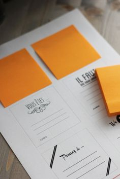 ©La mariee aux pieds nus - Un livre d or avec des post it - Pepper and Joy #guest book idea #post it #livre d'or
