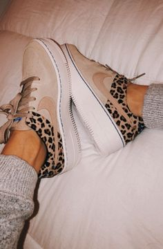"""Uploaded by t a y l a h🧚‍♀️💫"" Dr Shoes, Nike Air Shoes, Hype Shoes, Crazy Shoes, Me Too Shoes, Running Shoes Nike, Sock Shoes, Shoe Boots, Sneakers Fashion"