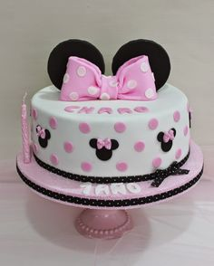 Minnie Mouse Cake by Violeta Glace Minni Mouse Cake, Bolo Da Minnie Mouse, Minnie Cake, Mickey Cakes, Mini Mouse Birthday Cake, Minnie Mouse First Birthday, Bolo Fake Minie, Minnie Mouse Party Decorations, Friends Cake