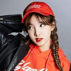 icons Kpop twice Nayeon Kpop Girl Groups, Korean Girl Groups, Kpop Girls, Twice Photoshoot, Sana Minatozaki, Nayeon Twice, Im Nayeon, Brown Eyed Girls, Dahyun