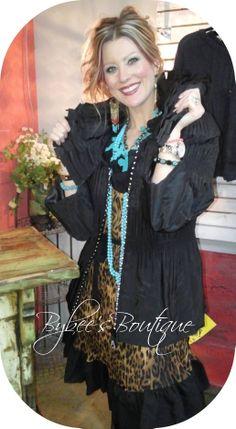 Rockin' the leopard tunic dress♥