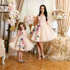 Mother Daughter Dress Ivory Floral Tulle Dress by HIRAetMIRA. Love the simple print Mother Daughter Matching Outfits, Mother Daughter Fashion, Mommy And Me Outfits, Mom Daughter, Daughters, Baby Pageant, Mother Daughter Photography, Dress Anak, Girls Dresses