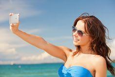 """Os dispositivos móveis são itens essenciais na bagagem de qualquer viajante. Uma pesquisa do site TripAdvisor, um dos principais sites de viagens do mundo, apontou que 91% dos turistas brasileiros usam celulares ou tablets durante as férias. No mundo, 87% dos entrevistados afirmam utilizar os aparelhos enquanto estão viajando. O """"medo de estar por fora...<br /><a class=""""more-link""""…"""