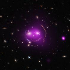 우주 속 은하군의 '고양이 미소' -테크홀릭 http://techholic.co.kr/archives/45023