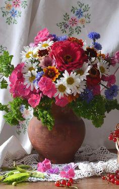 A 91 pieces jigsaw puzzle from Jigidi Beautiful Flower Arrangements, Pretty Flowers, Fresh Flowers, Floral Arrangements, Ikebana, Beautiful Flowers Wallpapers, Flower Wallpaper, Flower Vases, Trees To Plant
