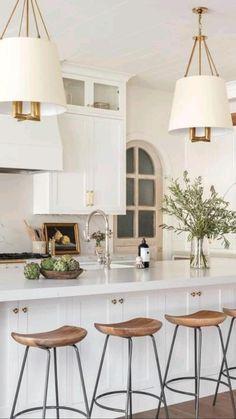 Home Decor Kitchen, New Kitchen, Home Kitchens, Kitchen With Plants, Kitchen Ideas, Warm Kitchen, Neutral Kitchen, Bright Kitchens, Transitional Kitchen