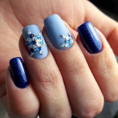 Blue manicure, Delicate christmas nails, Manicure 2018, Nails with rhinestones, New Year nails 2018, New years nails, Party nails ideas, Snowflake nail art