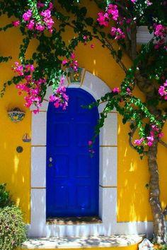 New house entrance exterior entryway colour Ideas Cool Doors, Unique Doors, Grand Entrance, House Entrance, Entrance Design, Door Design, Door Knockers, Closed Doors, Doorway