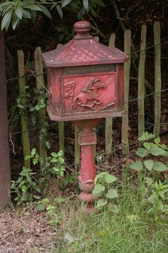 MAIL~Red Letter Box