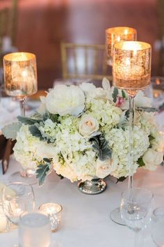 This New York wedding stays chic, rain or shine! Check out this incredible wedding by Kelsey Combe Photography
