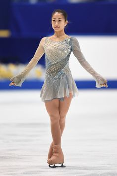 Rin Nitaya's free skate costume at the 2016 Japanese Nationals and 2016 Junior Grand Prix Tallinn. Her music was Legends of the Fall. (Sources: Zimbio and Phantom Kabocha) Figure Skating Competition Dresses, Figure Skating Outfits, Figure Skating Costumes, Ice Dance Dresses, Ice Skating Dresses, Dance Outfits, Roller Derby, Dresses For Teens, Skateboarding