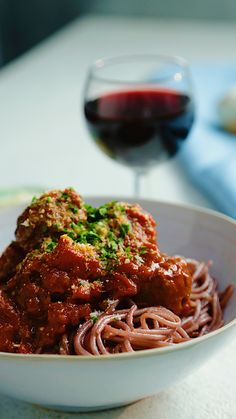 Spaghetti dinner and wine all in one!