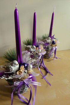 Vánoční svícen - vintage - ledový ptáček Vánoční svícen v proutěné nádobě - patinováno šedou barvou, vše laděno do fialovo-šedo-stříbrné neopadá a příští rok opět lze použít.... Cena je za 1ks