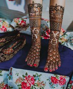 Henna Designs Feet, Bridal Henna Designs, Mehandi Designs, Foot Henna, Mehndi Design Photos, Wedding Mehndi, Mehendi, Indian Bridal, Wedding Decorations